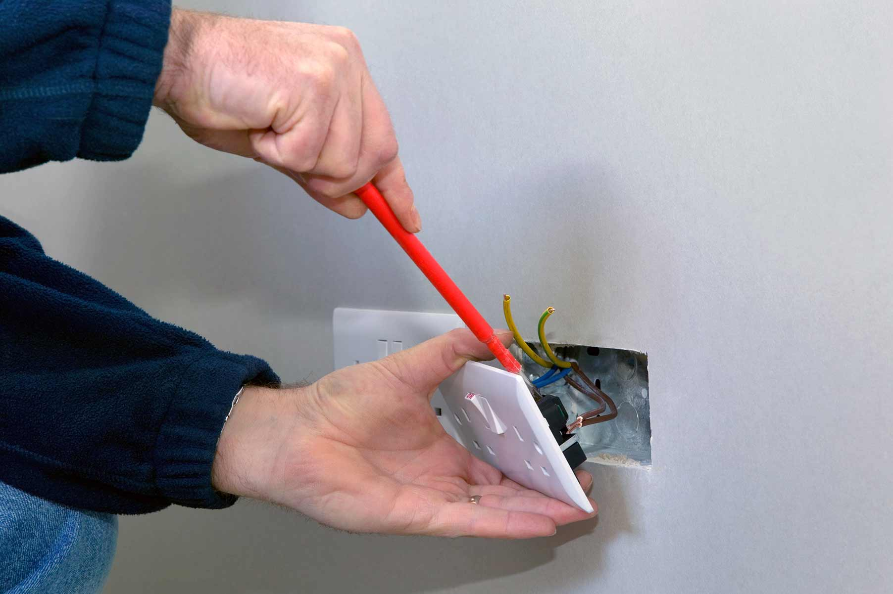 Our electricians can install plug sockets for domestic and commercial proeprties in Croydon and the local area.